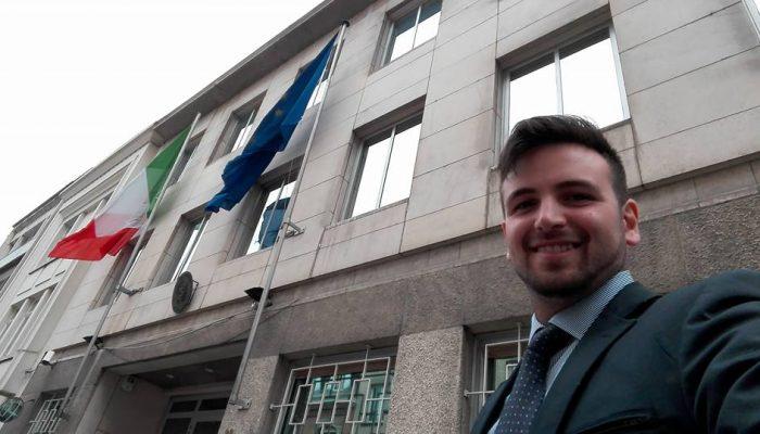 Valentino e i suoi tre mesi all'Ambasciata d'Italia a Bruxelles